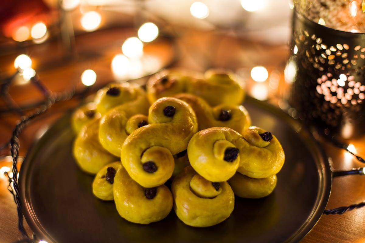 lussekatter-swedish-saffron-buns-2