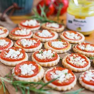 Tomato mustard mini tarts