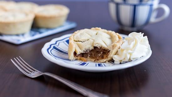 Apple cinnamon mini pies